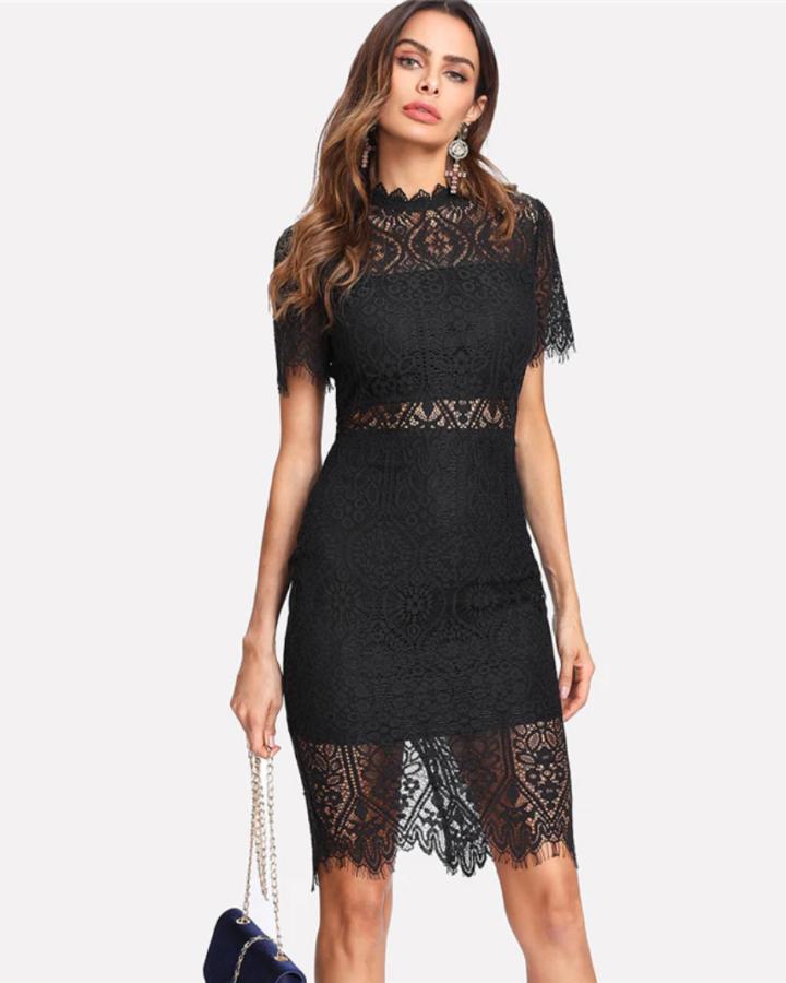 Sukienka Koronkowa Czarna z Krótkim Rękawem Mini