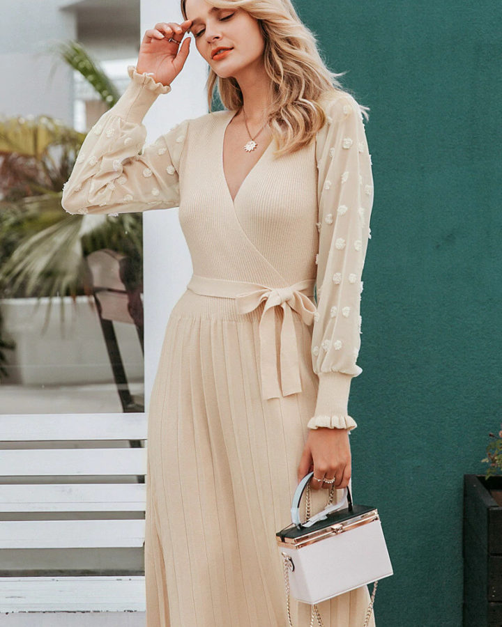 Sukienka Sweterkowa Dzianinowa Beżowa Ecru z Długim Rękawem Midi