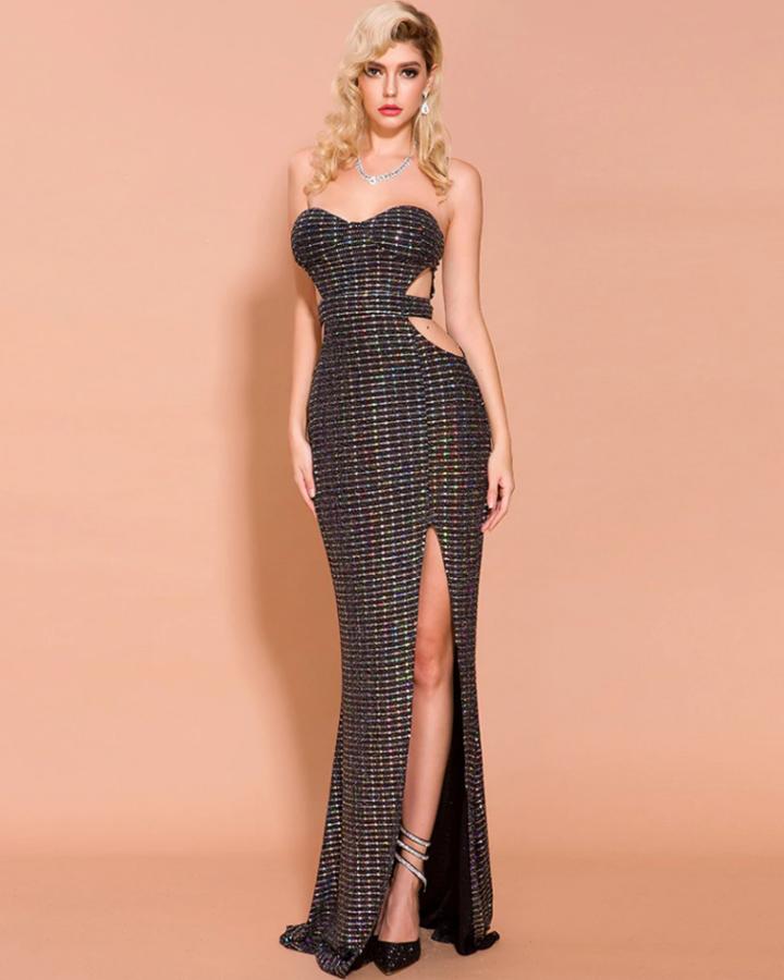 Sukienka Wizytowa Czarna Długa Czarna Odsłoniętym Dekoltem i Plecami Maxi