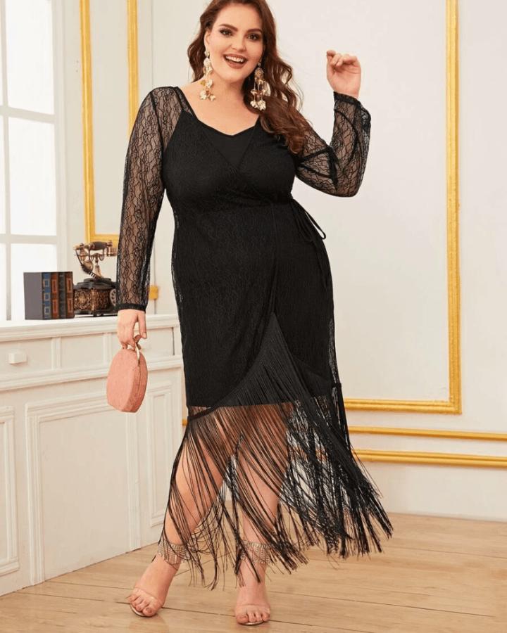 Sukienka Czarna z Frędzelkami na Ramiączkach Plus Size