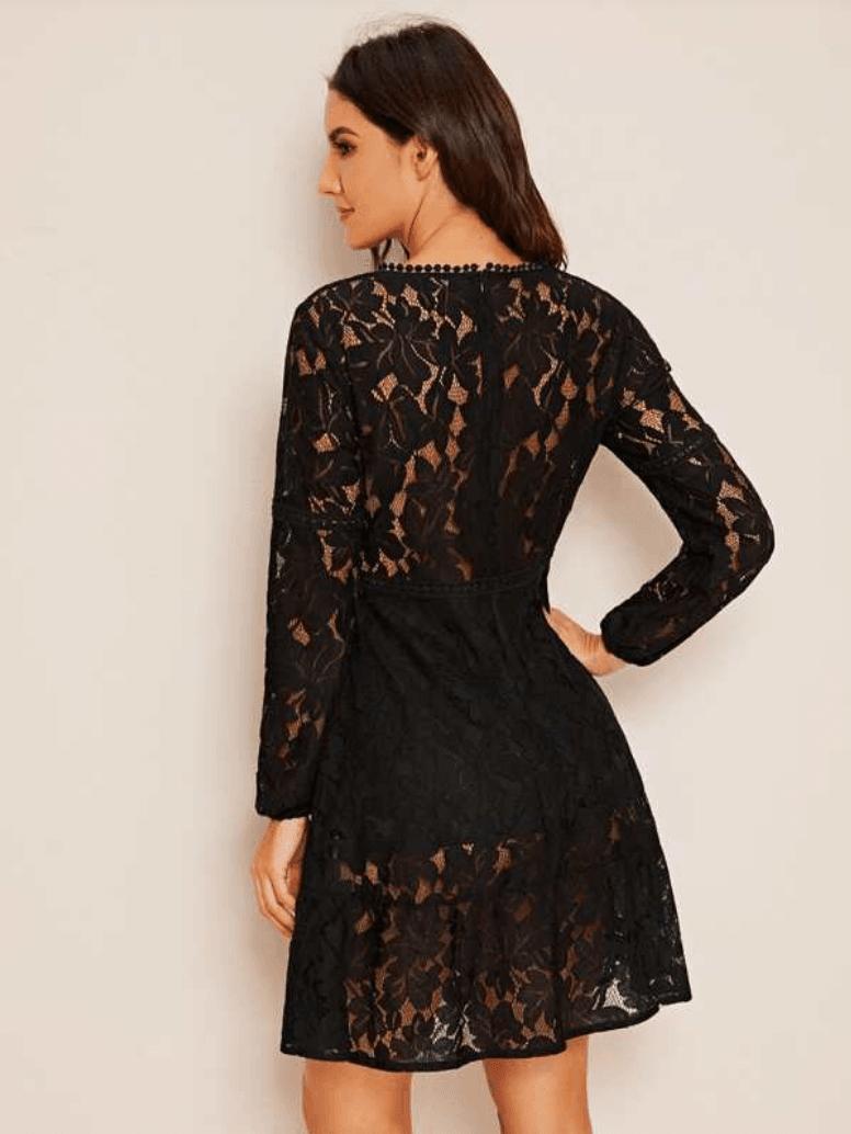 Sukienka Koronkowa Czarna z Długim Rękawem Rozkloszowana Mini