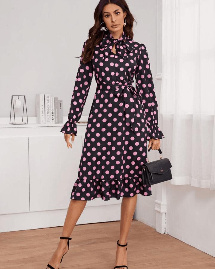 Sukienka Granatowa w Kropki z Długim Rękawem Midi
