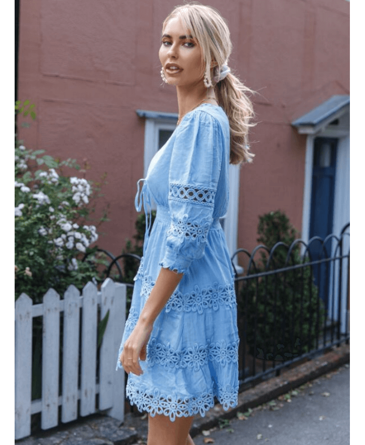 Hallumni Sukienka Błękitna Koronkowa